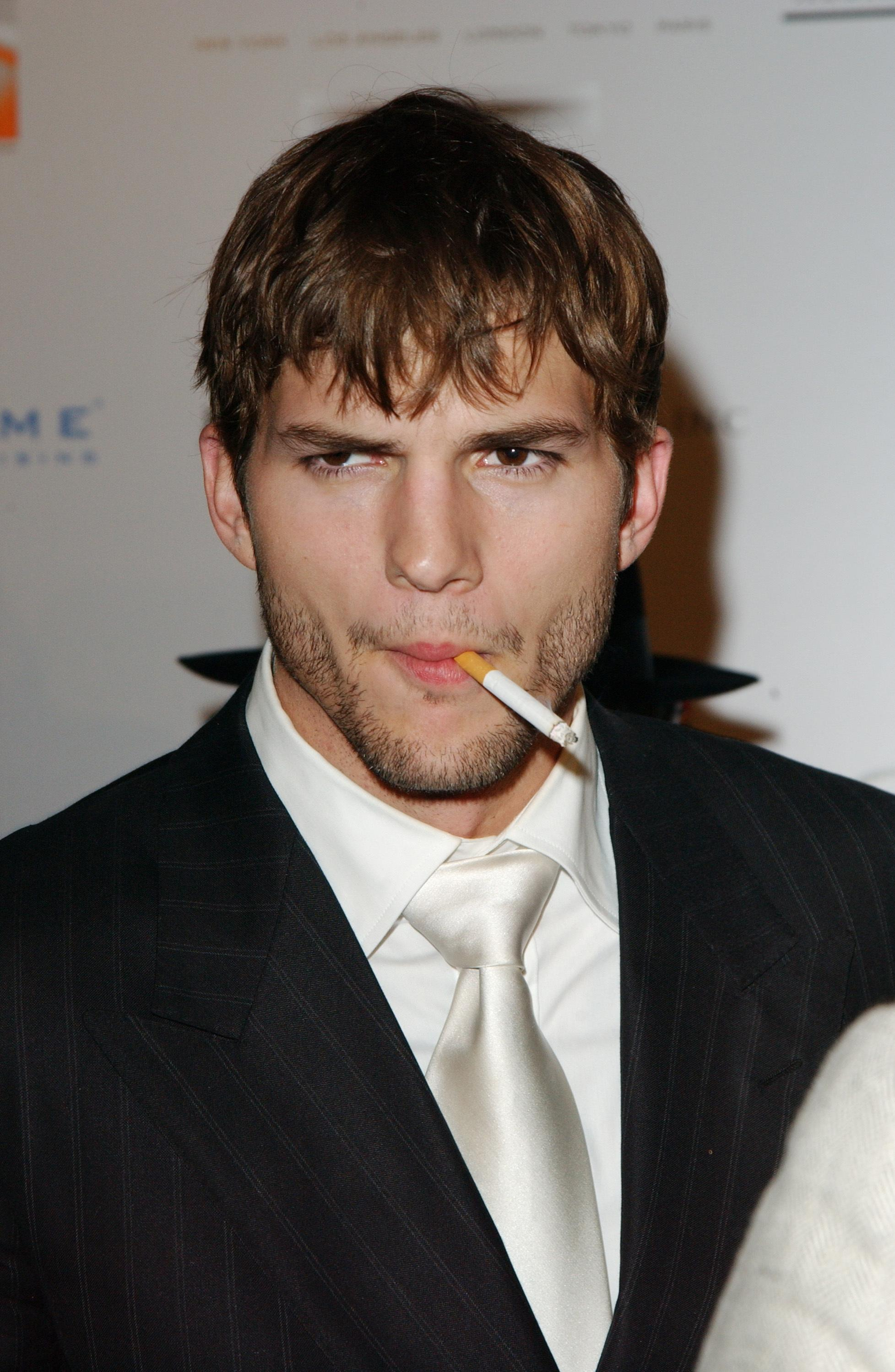 Ashton Kutcher Smoking